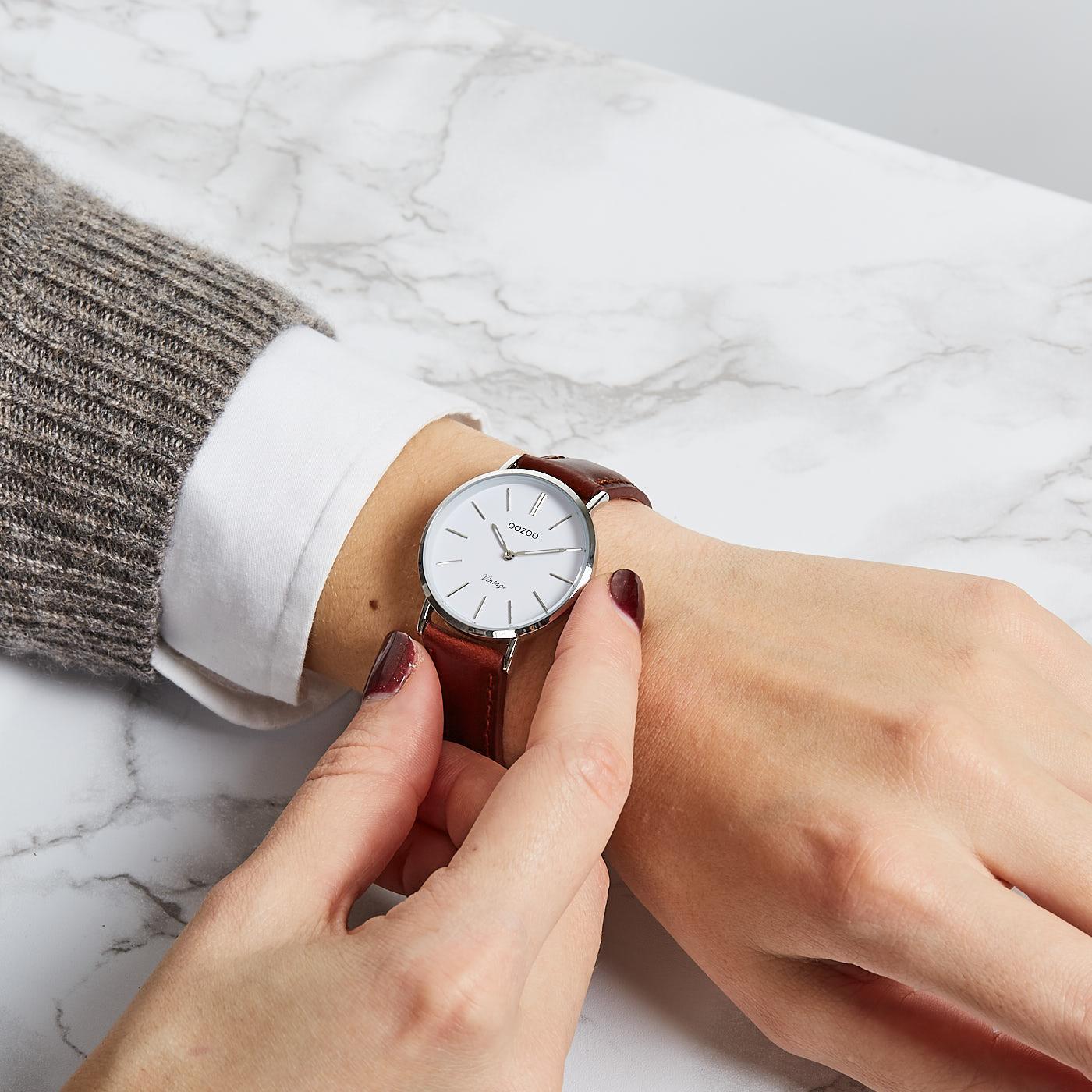 OOZOO Vintage Bruin/Wit horloge C9835 (32 mm)